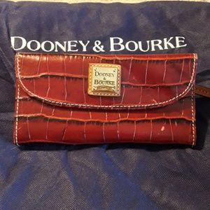 AUTHENTIC DOONEY & BOURKE CROCO CONTINENTAL WALLET